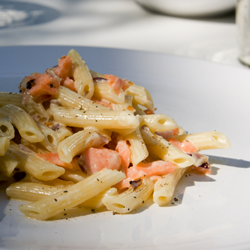 smoked salmon and cream pasta